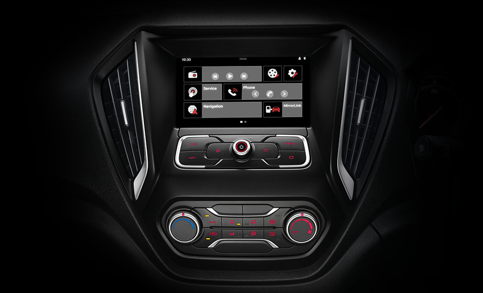 7-INCH TOUCHSCREEN WITH NAVIGATION